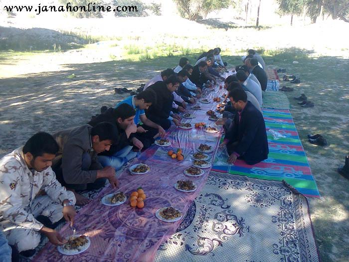 ضیافت نهار دبیرستان شرفا شرفایی جناح در صحرای لخو +۶عکس